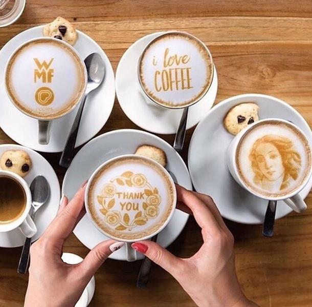 Cafés lattés